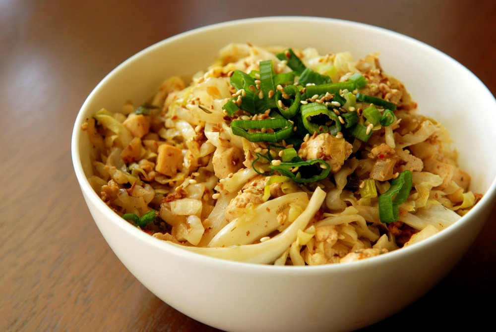 #MeatlessMonday Meal: Sweet and Spicy Cabbage